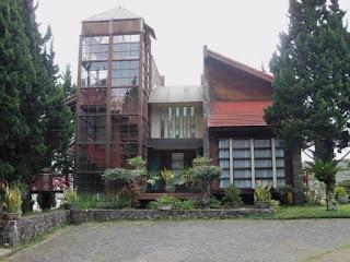 Villa Tower Istana Bunga 4 Kamar