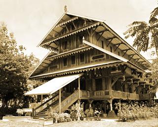 Keunikan Rumah Adat Banua Tada Suku Wolio Buton Sulawesi Tenggara Tempat Wisata Keunikan Rumah Adat Banua Tada Suku Wolio Buton Sulawesi Tenggara