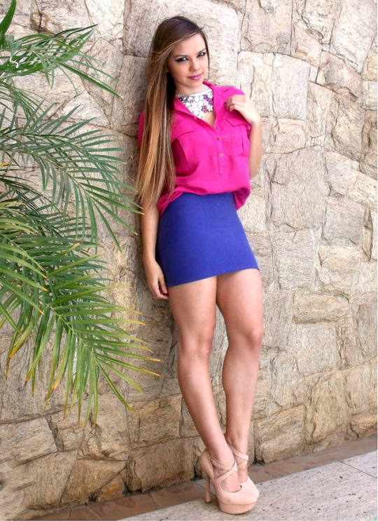 Hot blonde teen model teases