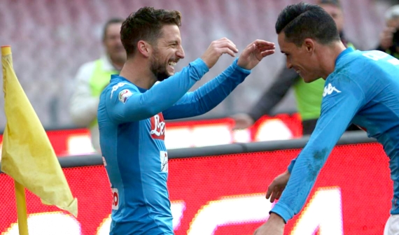 Napoli and Juventus are the front-runners for the title with both sides currently on a 6-game winning streak