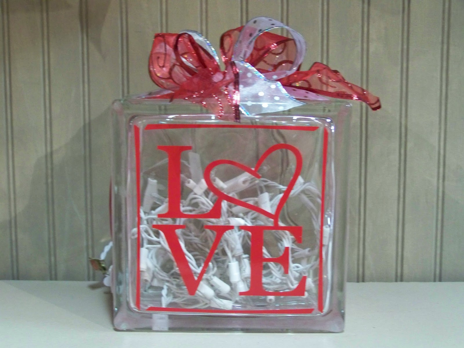Heartfelt Wall Hangings Glass Bock Collection
