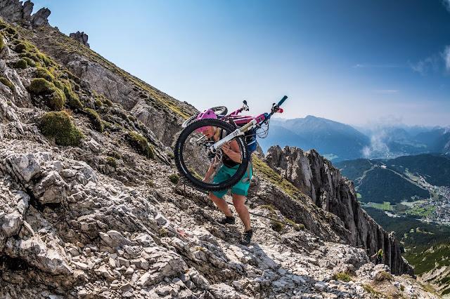 MTB Reither Spitze 2374 m.ü.A Mountainbike Tour Oberland - Bikebergsteigen