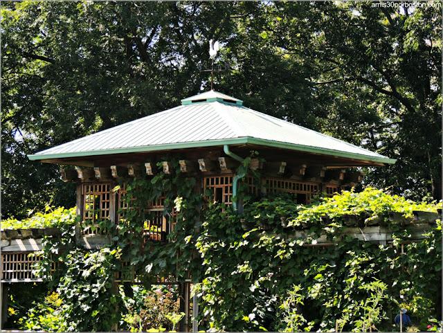 Pérgola del Garden of Innovations del Jardín Botánico de Montreal