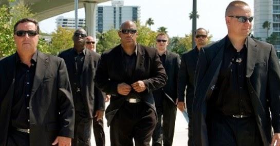 Terkuak Alasan Bodyguard Suka Memakai Kacamata Hitam