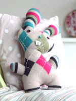 https://translate.googleusercontent.com/translate_c?depth=1&hl=es&rurl=translate.google.es&sl=en&tl=es&u=http://crafts.tutsplus.com/tutorials/transform-an-old-sweater-into-an-adorable-bunny-softie-for-easter--craft-5227&usg=ALkJrhhMWkYjf-PcmUbtB96Gfnh9_MxajQ