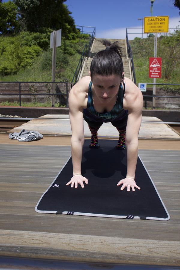 My 2016 Goals, My 2016 Goals Update, yoga, plank pose, namaste, yogi, yoga pose, strong