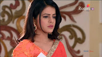 Jigyasa Singh from Thapki Pyaar Ki in Orange Transparent Saree (3).jpg