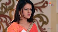 Jigyasa Singh from Thapki Pyaar Ki in Orange Transparent Saree (3).jpg