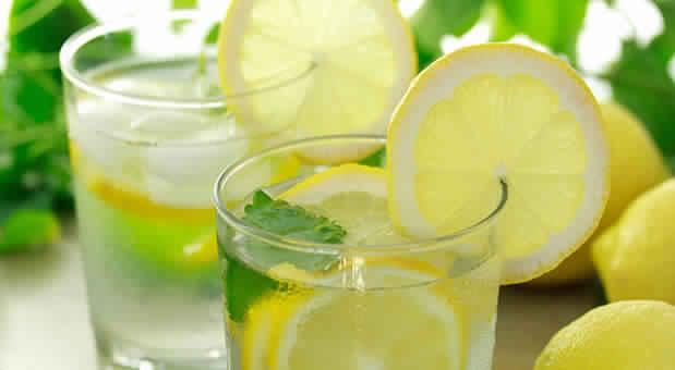 فوائد الليمون مع الماء