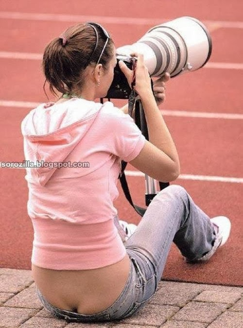 funny hot photographer pose