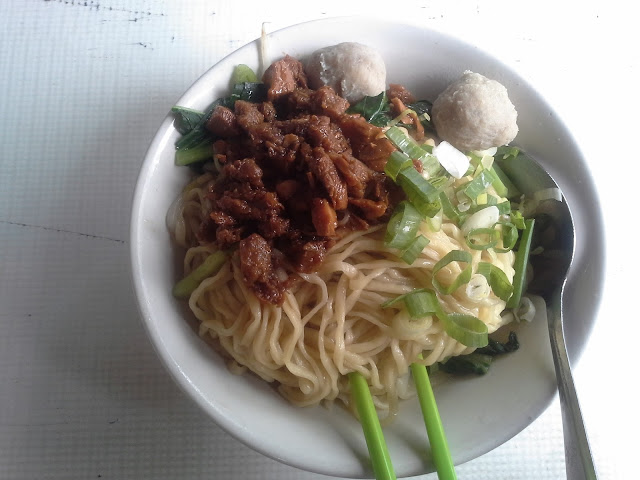 Mie Ayam Bisnis Di Dekat Wisma Slipi Jakarta Barat