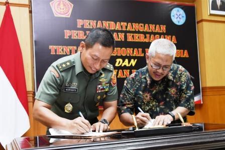 Kapuspen TNI : TNI dan Dewan Pers Sepakati Perjanjian Kerja Sama