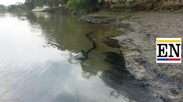 mancha aceite rio daule