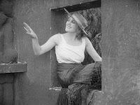 "Кадр из фильма Чарли Чаплина ""Пародия на Кармен"" / Burlesque on Carmen (1916) - 19"