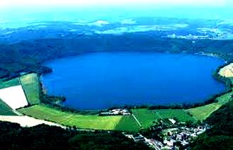 Pengertian, Ciri-Ciri dan Jenis-Jenis Danau