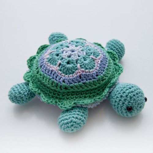 Atuin the African Flower Turtle - Free Pattern