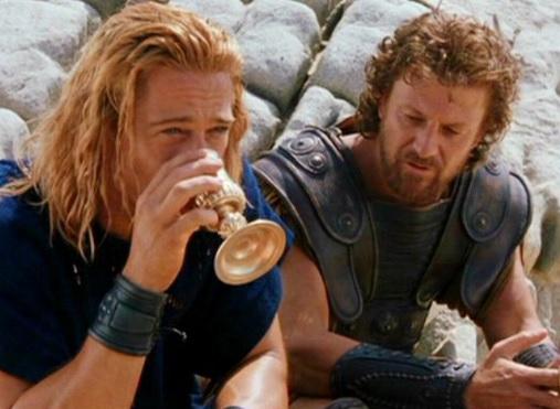 Troy, Odysseus speaks in Albanian (Video)