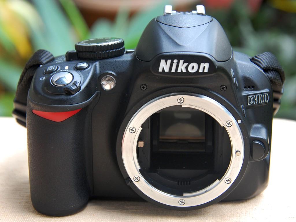 Ciri-ciri Sensor Kamera DSLR yang Rusak