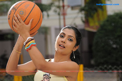 amalinee Mukherjee Hot Saree Pictures
