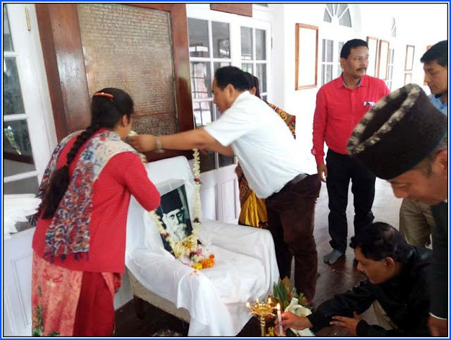 Cinchona Director Dr Samual Rai garlanding Kavi Guru Rabindranath Tagore