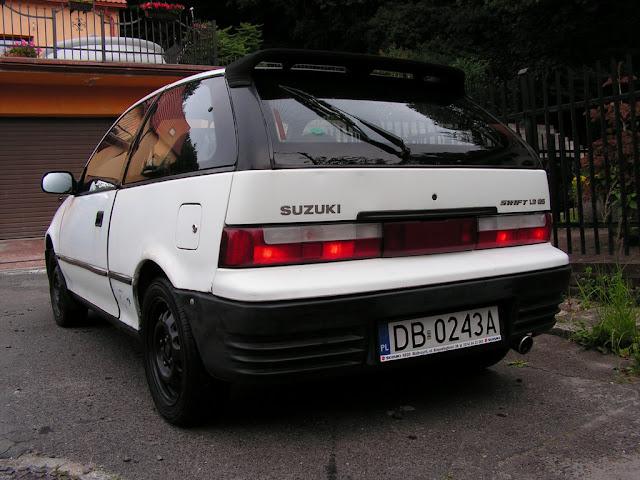 Suzuki Swift MK3, 1.3 GS, staryjaponiec, tył, biały