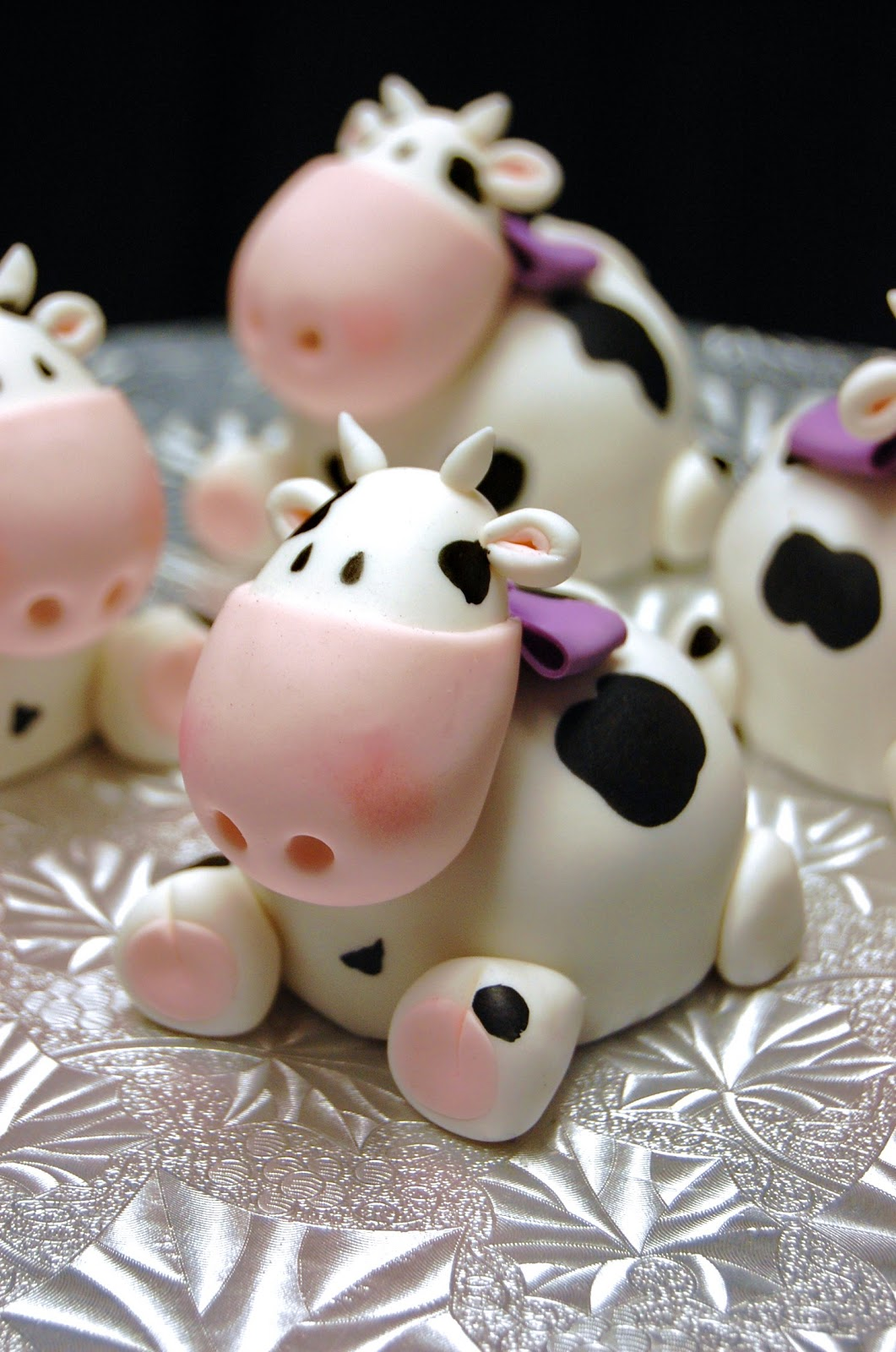 Baby Cow Cakes These Mini Were Inspired By My Beautiful Daughter Each Cake Is The Size Of A Standard Cupcake Enjoy