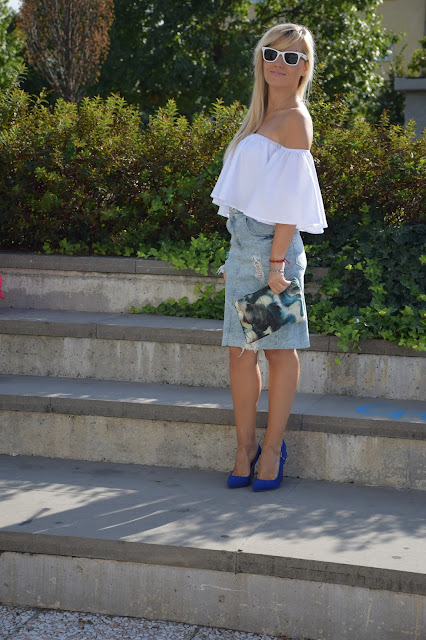 denim skirt how to wear denim skirt how to combine denim skirt september outfit summer blogger outfit mariafelicia magno fashion blogger italian fashion bloggers web influencer italy