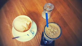 Kawa i miętowa kawa mrożona