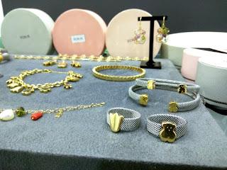3a89e788da93 Compra venta de joyas Tous de segunda mano en Barcelona. Zimt Joiers se  encarga de comprar y vender pulseras Tous de oro y plata en Barcelona.