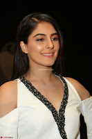 Isha Talwar Looks super cute at IIFA Utsavam Awards press meet 27th March 2017 17.JPG