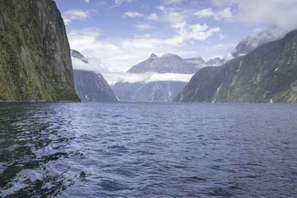 INILAH 17 Tempat Wisata di Selandia Baru Paling Direkomendasikan Untuk Dikunjungi!!