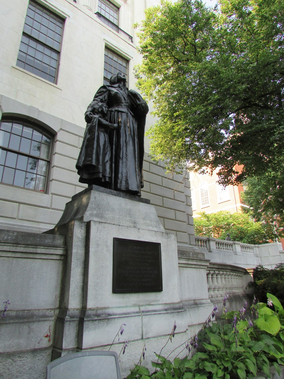 anne hutchinson versus massachusetts Anne hutchinson did not leave rhode island, she fled to rhodeisland she believed that a person could worship god without help of achurch, minister.