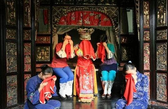 Tradisi-tradisi Aneh dalam Pernikahan di Dunia
