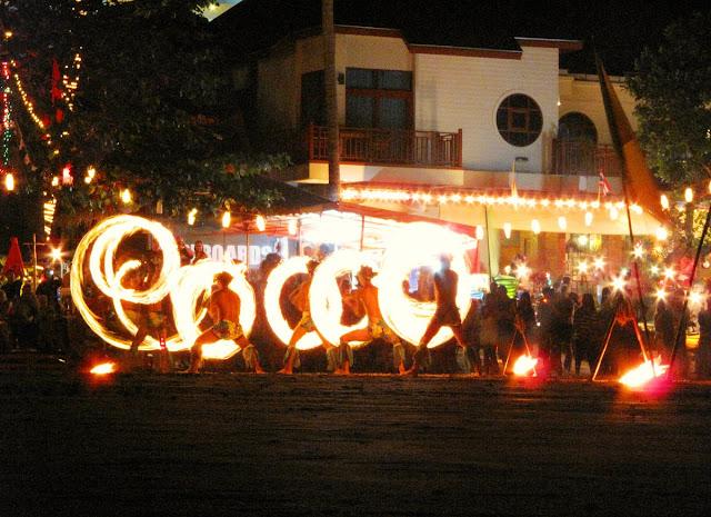 eldshow på Koh Chang