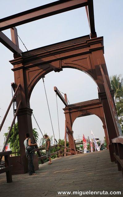 Puente-del-Inglés-Yakarta