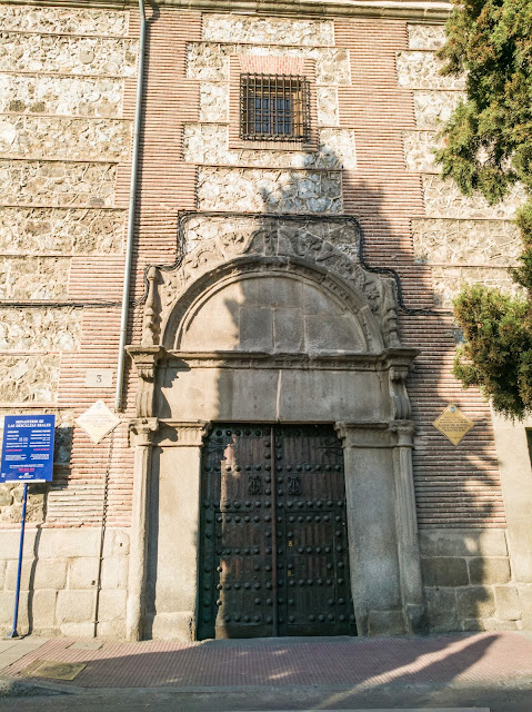 Puerta del Monasterio de las Descalzas Reales