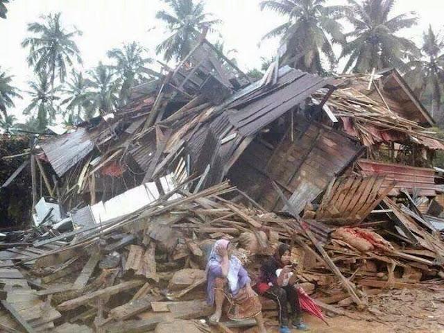 Image result for Gambar banjir di kelantan