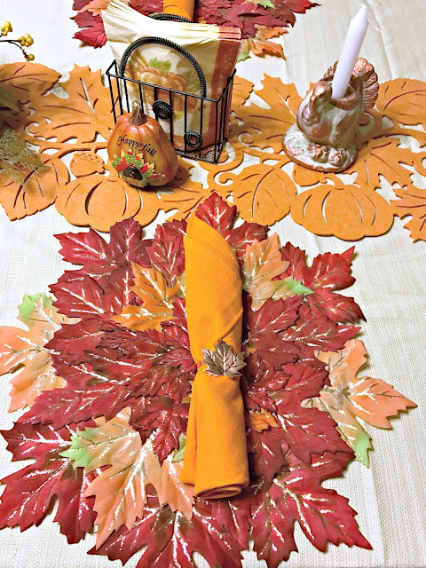 Thanksgiving Table, Thanksgiving table decor on a budget, Thanksgiving table decorations, Easy Thanksgiving tablescape.