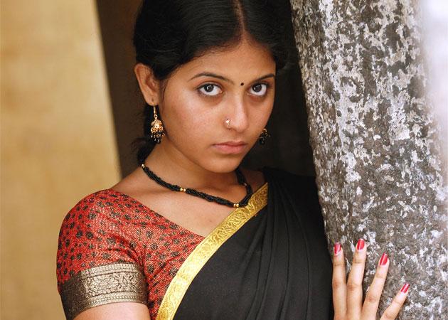 Actor Anjali Photos: TOLLYWOOD TRIP: Actress Anjali Photos