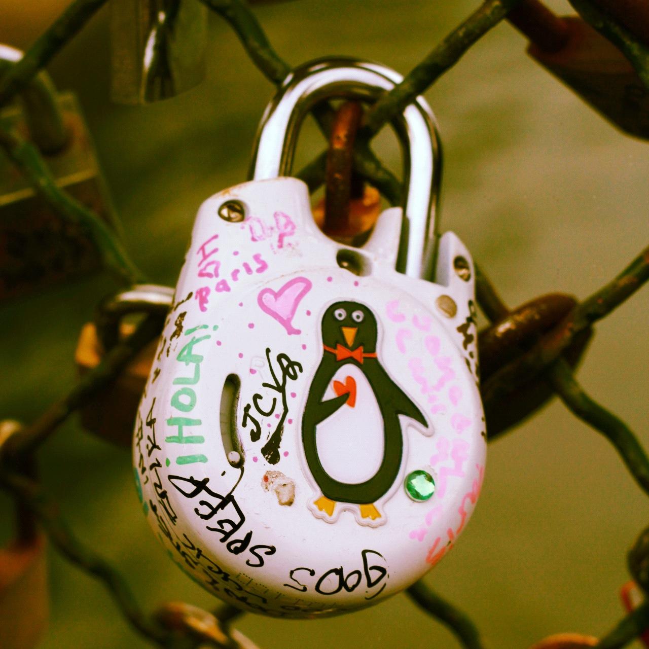 shArpest blog: Paris'te Tek Günlük Bir Aşk Yolculuğuna.