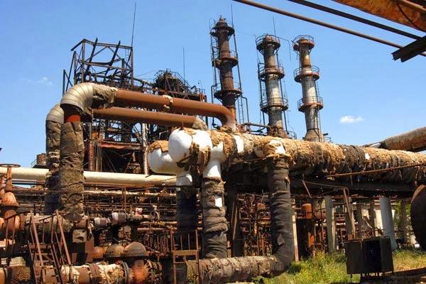 Irán vuelve a plantear refinería conjunta con Armenia