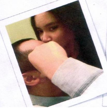 Foto diduga Abraham Samad sedang ciuman dengan cewek cantik