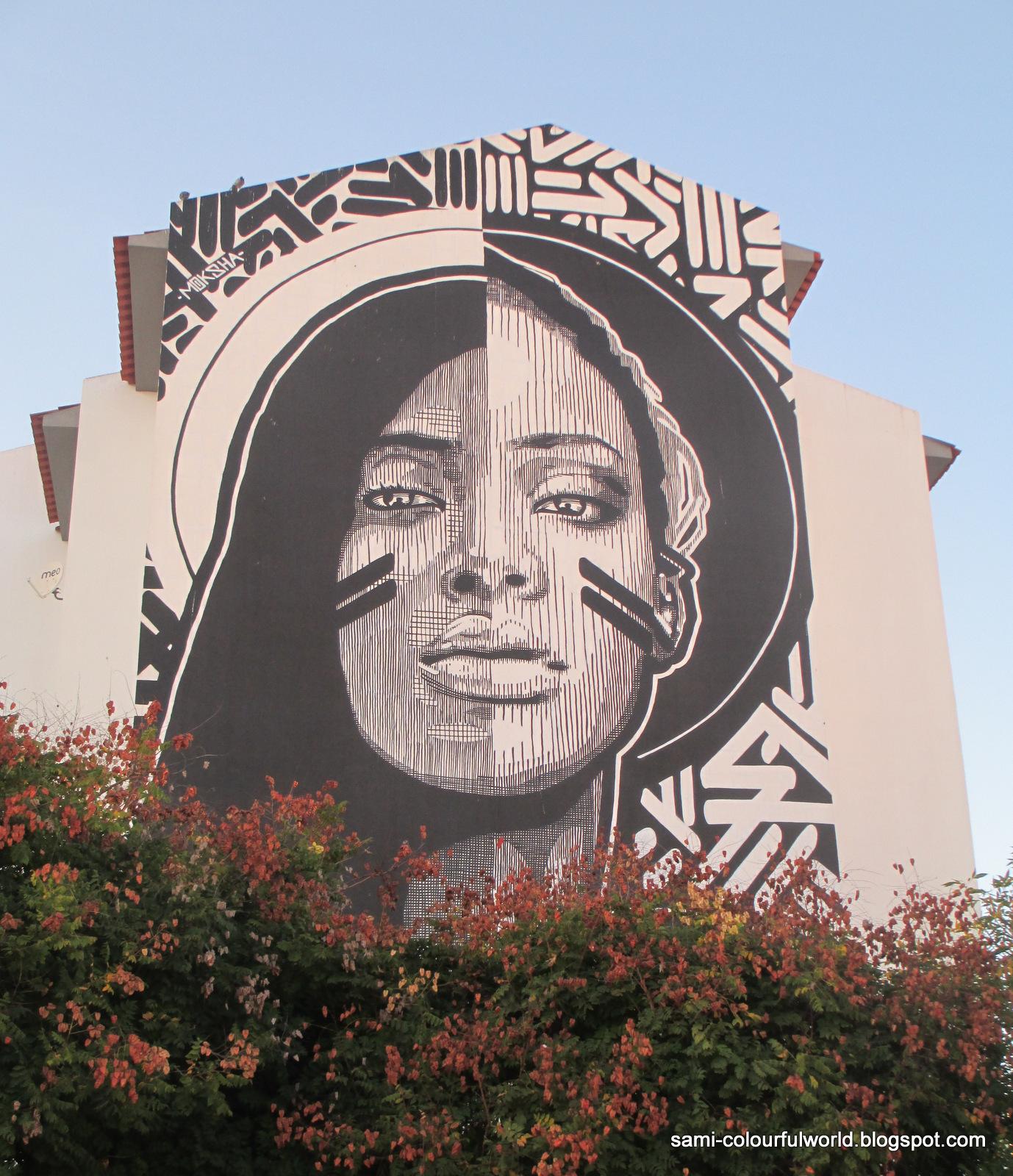 Colourfulworld monday mural black or white for Black white mural