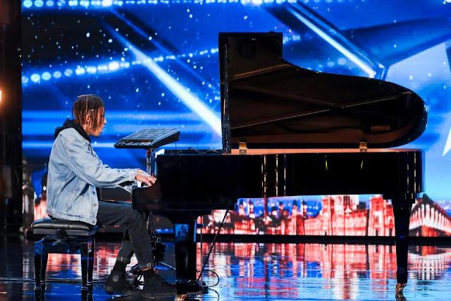 Tokio Myers, talentoso pianista que mistura música clássica com sucessos modernos, é coroado o grande vencedor do Britain's Got Talent.
