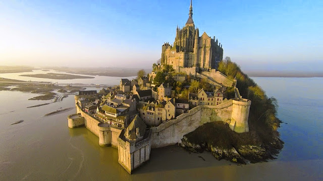 Increíble panorámica del Mont Saint Michel en Francia