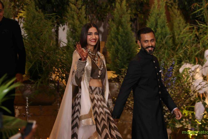 Sonam kapoor and anand ahuja hosted a happening wedding reception