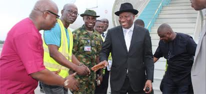 Goodluck Jonathan arrives from Ivory Coast
