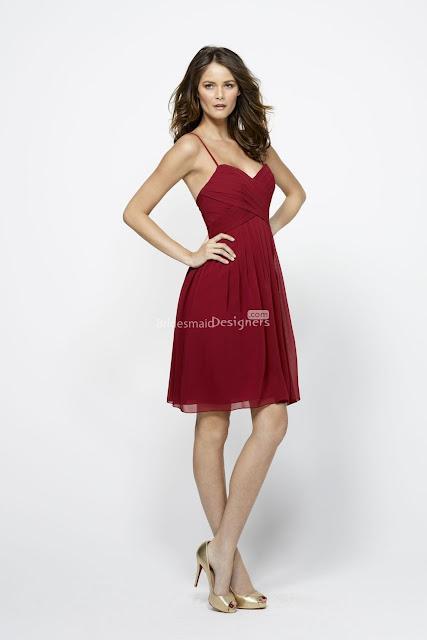 Burgundy-short-bridesmaid Dress with Sweetheart Neckline
