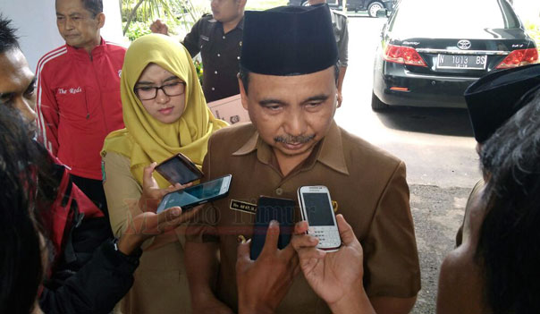 Bupati Lumajang, Drs. H. As'at Malik, M.Ag