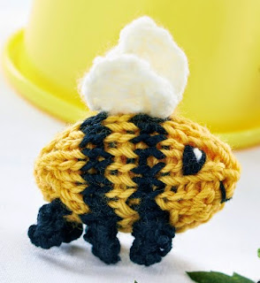 http://www.letsknit.co.uk/free-knitting-patterns/miniature-beasts